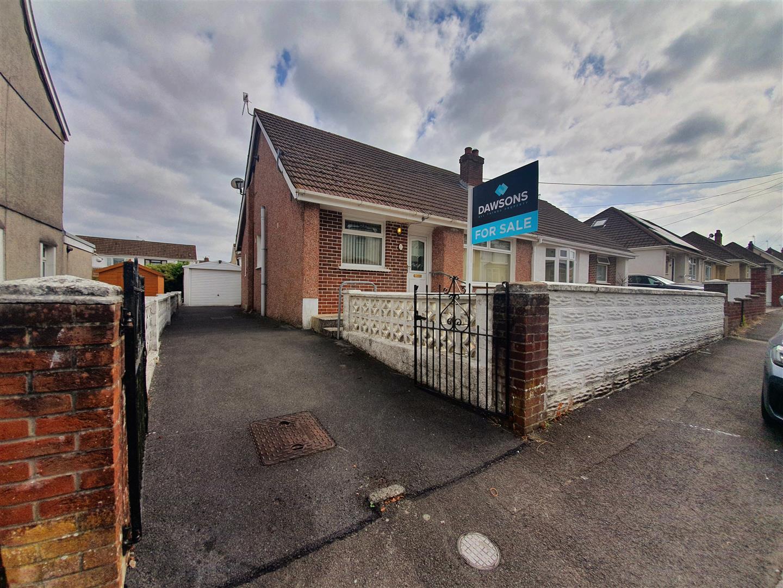 North Road, Loughor, Swansea, SA4 6QE